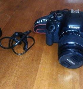 Зеркальный фотоаппарат Canon 650 D