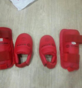 Накладки на ноги для каратэ