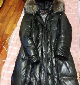 Коженое женское пальто