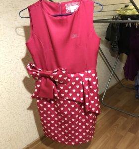 Продам платье с баской