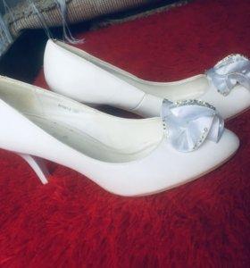 Свадебные туфли...