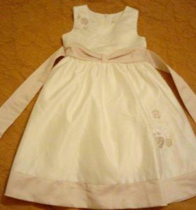 Платье праздничное на 3-4 года