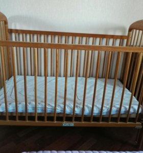Кроватка детская + матрас +две простыни на резинке