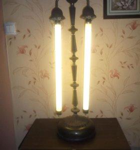 Напольная лампа освещения
