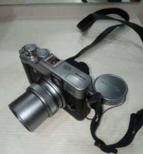 Продам цифровой фотоаппарат Fujifilm X20