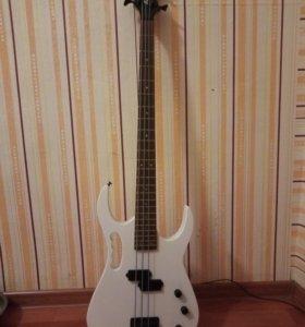 Продам срочно бас гитару