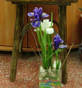 Ирисы в вазе