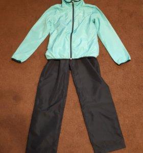 Спортивный костюм на девочку 10-12 лет.