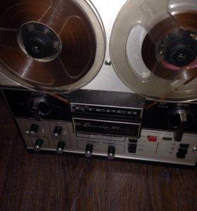 Магнитофон приз-во СССР