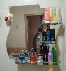 Зеркало в ванную комнату.