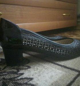Туфли женсие, кожанные
