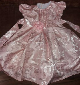 Платье на девочку,для  праздника.