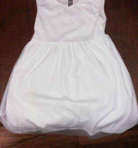 Платье на девочку для  праздника