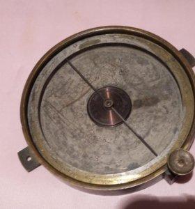 Старинный компас