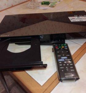 Продаю Sony Blu-ray BDP-s6200