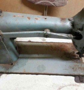2 Швейные  машинки
