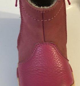 Отличные детские натуральные ботиночки, размер 22