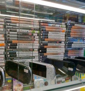 PSP / карты памяти /адаптер питания/аккумуляторы