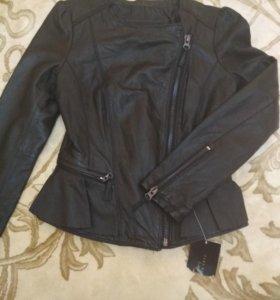 Коженая куртка Zara