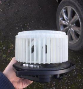 Моторчик печки (вентилятор отопителя) Nissan Infin