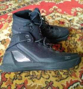 Баскетбольные кроссовки , размер 43, оригинал