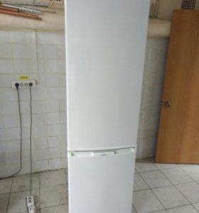 Холодильник Бирюса 228С