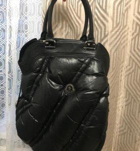 Фирменная сумка Moncler пуховая ( новая)