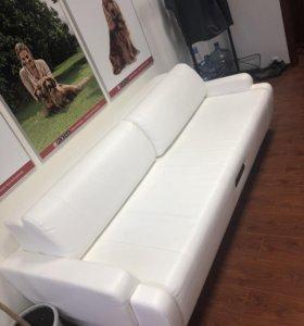 Диван - кровать. Белый.