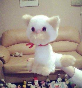 Кошка Игрушечная (белая-бежевая)
