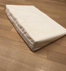 Позиционная подушка для сна новорожденных Plantex