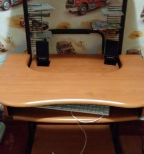 Клмпьютерный стол