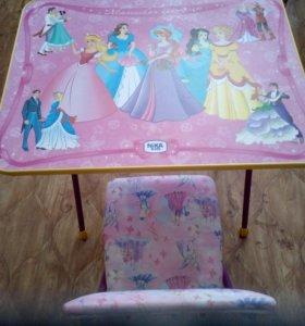 Новый комплект детской мебели.