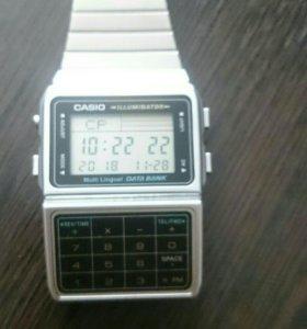 Часы Casio.