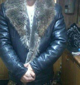Породам мужскую куртку.