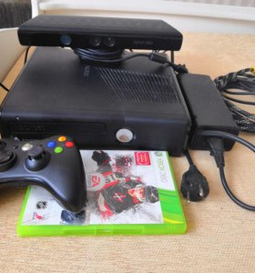 Xbox 360 S CONSOLE + Kinect
