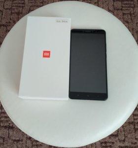 Xiaomi Mi Max 2 4/64 2сим. Почти новый.