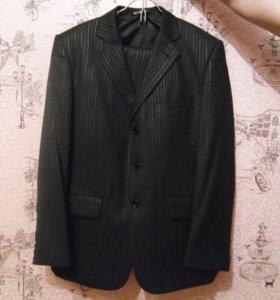 Мужской классический костюм, 50 размера.