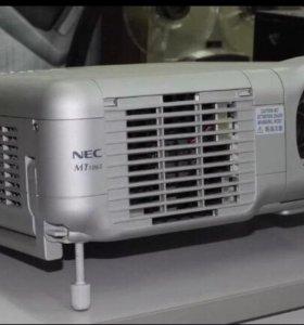Проектор 📽 NEC MT1065