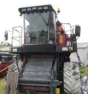 Комбайн зерноуборочный самоходный КЗС-812