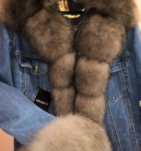 Тренд сезона джинсовая куртка с натуральным мехом