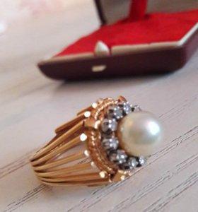 Золото 750 проба. Бриллианты и жемчуг.