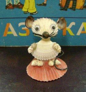 Мышка из ракушек