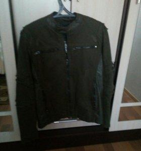 Куртка осенняя, р-р46-48, новая,