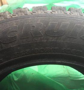 Шины зимние шипованные Bridgestone r17