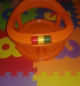Детская ванночка и стульчик для купания