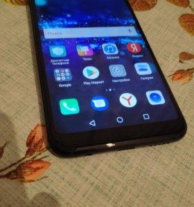 продаю смартфон Honor 10 4/64гб