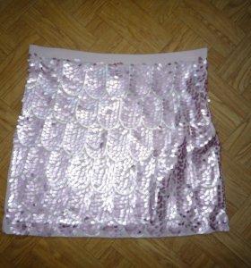 Стильная мини-юбка с пайетками