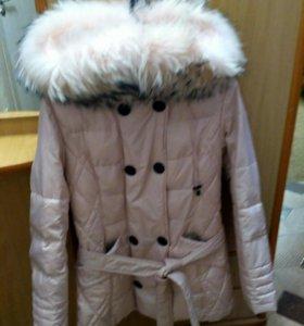 Куртка пуховик,размер s, мех натуральный