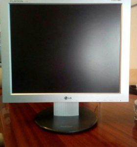 Монитор LG L1730I