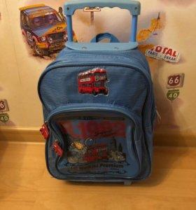 Рюкзак чемодан детский на колёсиках голубой